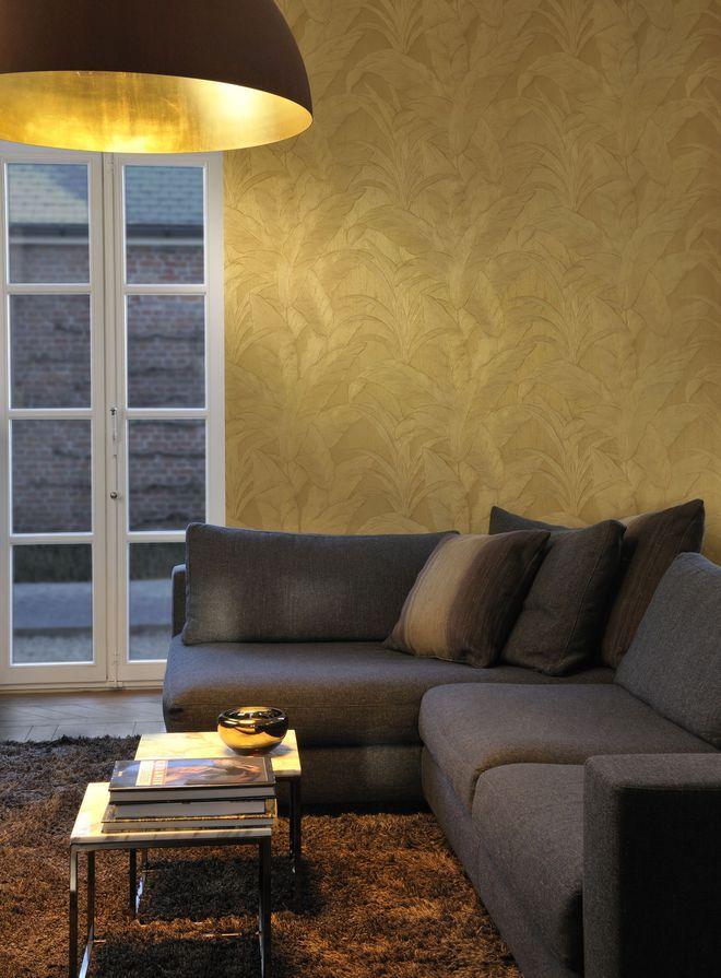Un papier peint élégant façon feuille d'or
