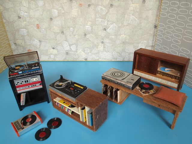 miniature record players for dolls houses