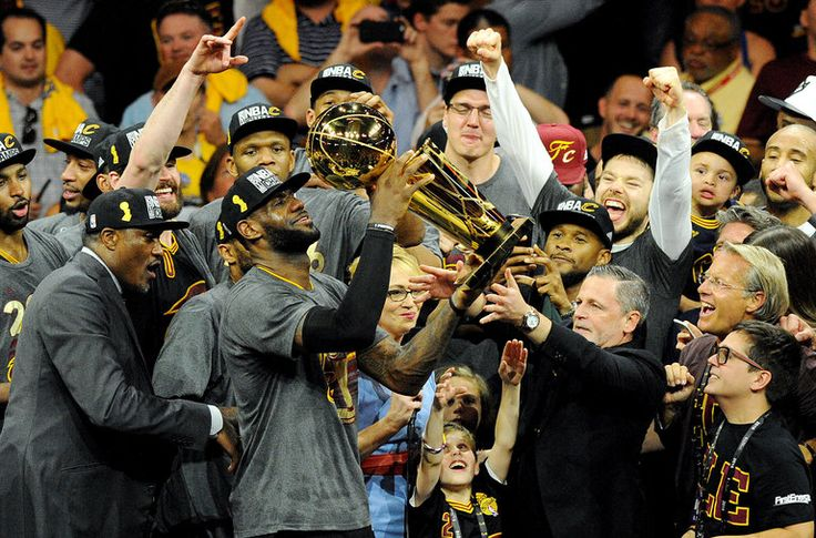 LeBron James celebrated after the Cleveland Cavaliers defeated the Golden State Warriors, 93-89, on Sunday.