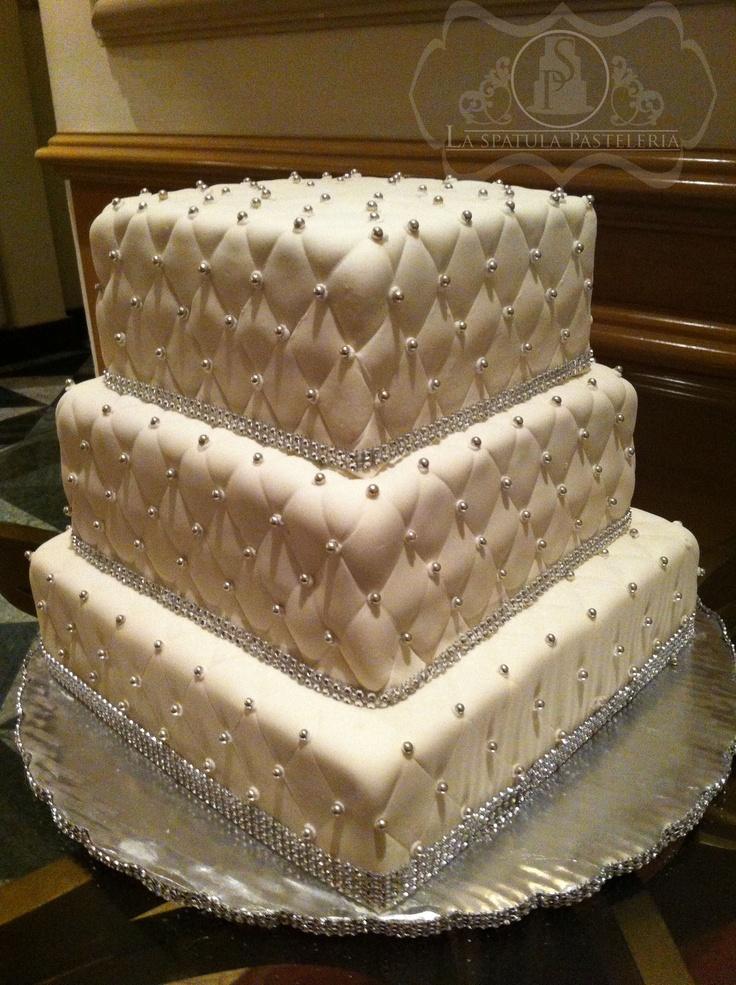 pastel de boda sencillo y elegante