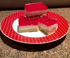 Recipe Jelly Slice by Pingping - Recipe of category Desserts & sweets