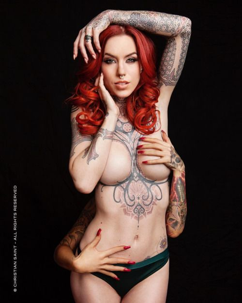 Who's got the current issue of @tattoolifemagazine with my cover/ feature shoot of @linneathomasia ? Hand bra provided by @bibiana_atada  MUAH: @dinalorraine Photo: © Christian Saint - All Rights Reserved #tattoo #ink #inked #model #beauty...