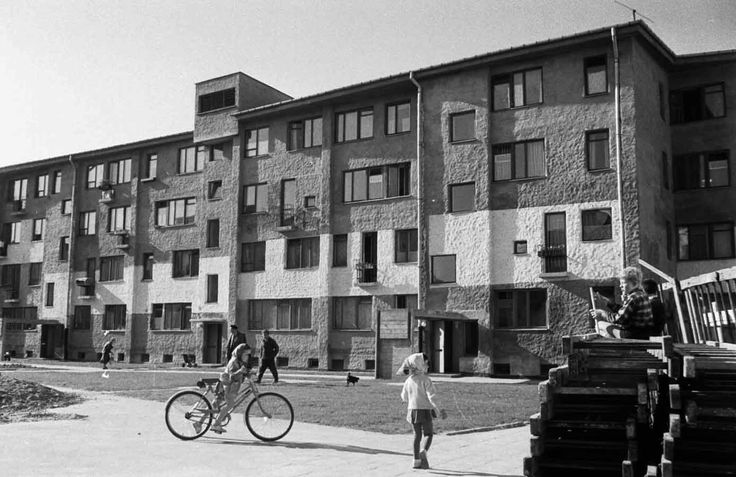 Oskar Hansen, Rakowiec WSM Housing Estate in Warsaw, 1958, photo by the Academy of Fine Arts' Museum in Warsaw