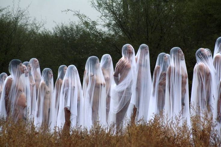 Happening from Spencer Tunick, called spirit