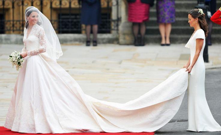 10 роскошных свадебных платьев знаменитостей