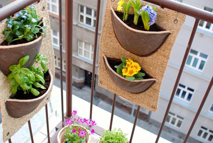 Vertikální kapsy na pěstování pro balkon a terasu I ve městě se dá pěstovat. Hezky, prakticky a šetrně k přírodě.