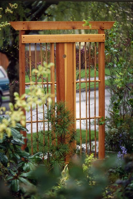 78 best images about modern zen garden and side yard for Japanese garden trellis designs