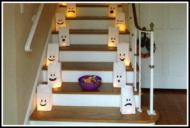 Easy DIY Halloween luminaries from www.crayonsandcollars.com