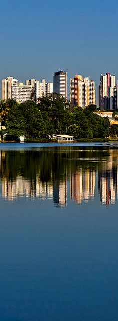 Londrina city. The city of Londrina is located in southern Brazil, in the state of Paraná, has around 530,000 inhabitants, was colonized by the British in the 1930s, its soil is highly fertile, red, was once considered the world capital of coffee - Brazil