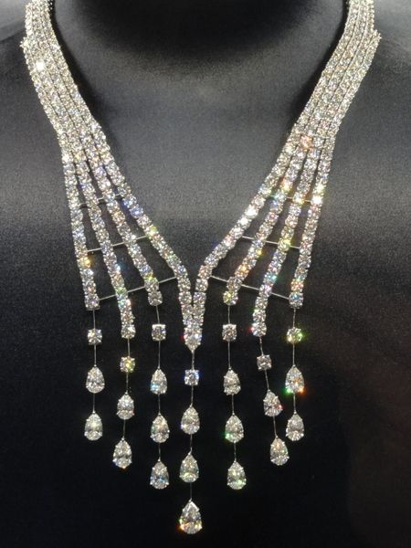 harry winston collection  Harry Winston collier cascade diamants collection Water Biennale des