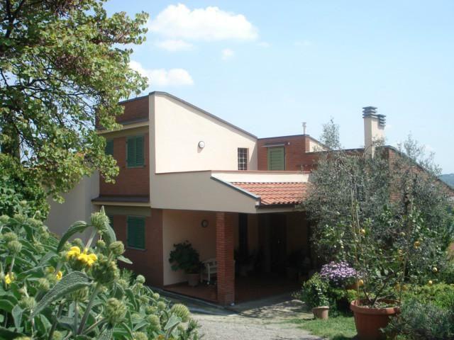Homestay Carmignano, Florence, Italy. Rosy and Alessandro - HomestayIn.com
