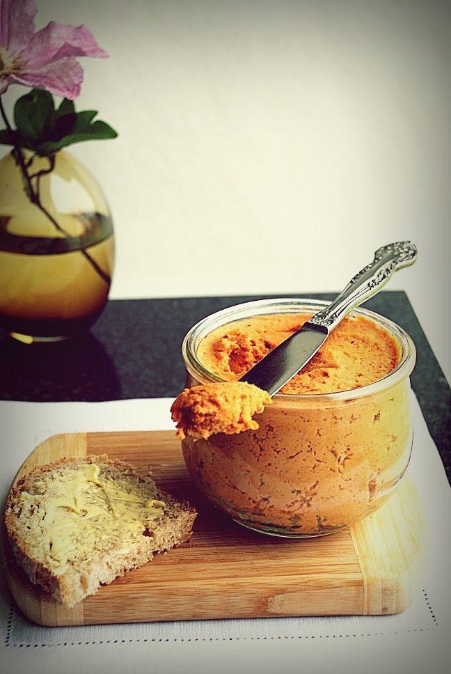 Trufla: Śniadania idealne. Pasztet sojowy. Pomidorowy.
