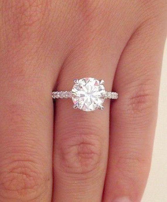 Amazing Used Vintage Wedding Rings For Sale Xoxo Ovaldiamondring Diamond Solitaire Engagement Ring Solitaire Engagement Ring Engagement Rings