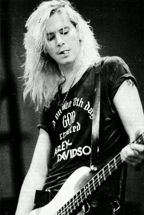 Duff McKagan (born: February 5, 1964, Seattle, WA, USA) is an American bassist, singer, songwriter, musician and author. He played in Guns 'N Roses, Velvet Revolver and Loaded.