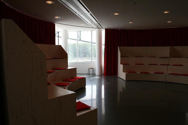 Luxe van een (amfi)theater/grote tribune  (Nieuwegein)