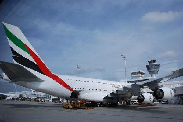 05_Airbus-A380-Emirates-Flughafen-Muenchen