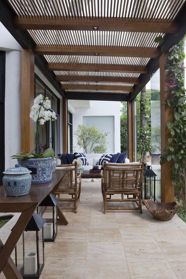 Casa paulistana traz o verde para o interior - Casa Vogue | Casas