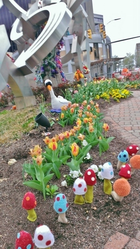 24 Incredible Yarnbombs From Around The World *Rosslyn. VA June-2013 <3