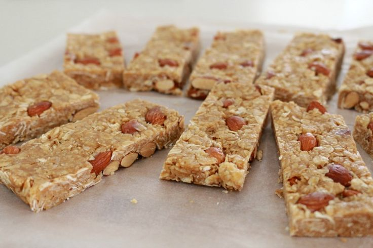 Get rid of your mid-afternoon sugar cravings with a piece of our delicious Thermomix Almond & Honey Oat Slice!