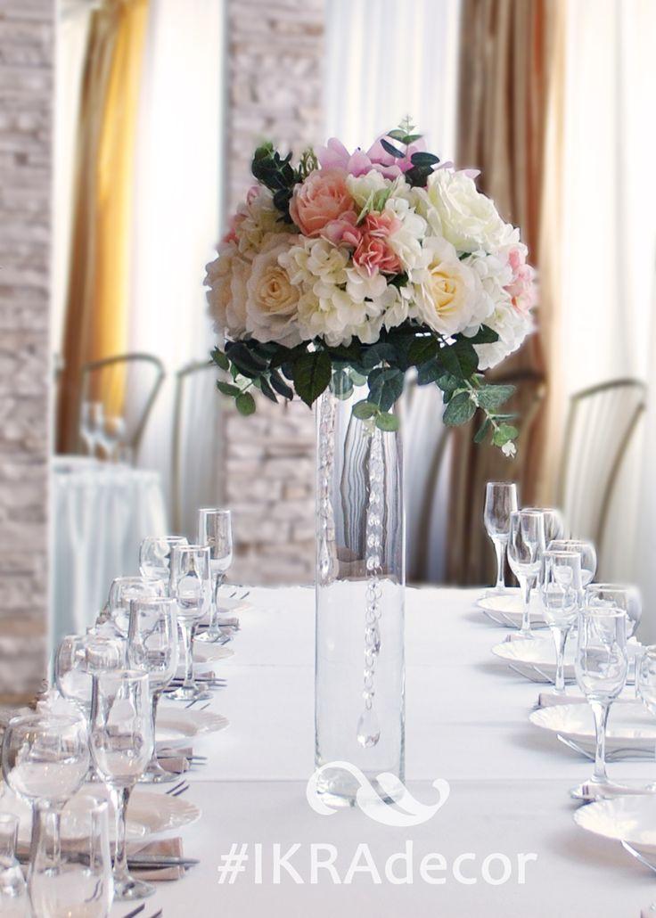 High floral arrangements on the guests table. Are made of decorative flowers of a premium class. Высокие цветочные композиции на стол гостей. Выполнены из декоративных цветов премиум класса.