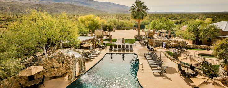 The Tanque Verde Ranch pool sits right in the Sonoran Desert. A true desert oasis!