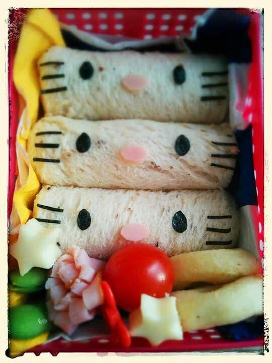 """Hello Kitty roll up sandwiches(=・◦・=)♡ FindoutmorecharacterbentosonFacebooksite""""Cool&KawaiiCharacterBento""""!!"""