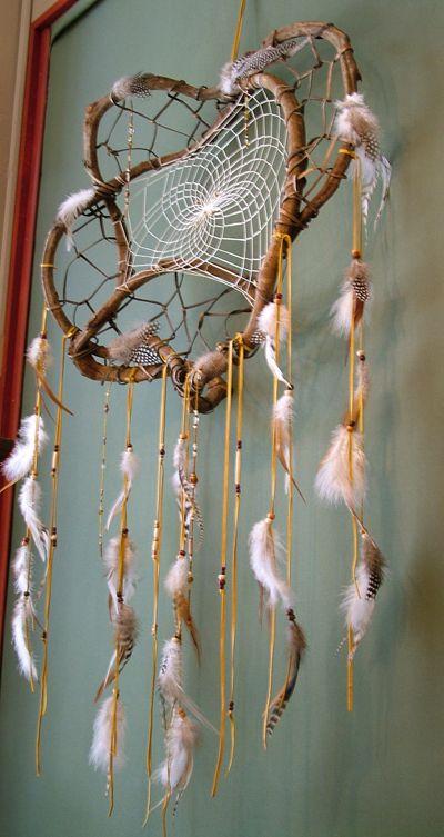 Twig dream catcher -http://www.indianvillagemall.com/dreamcatchers/twigdreamcatchers.html