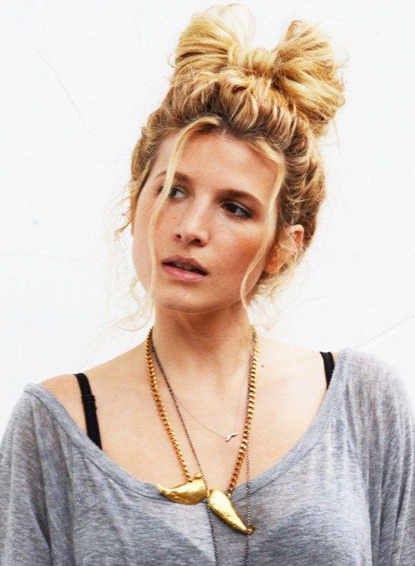 ClioMakeUp-Natale-capelli-acconciature-idee-fiocco-capelli-Brit+Co
