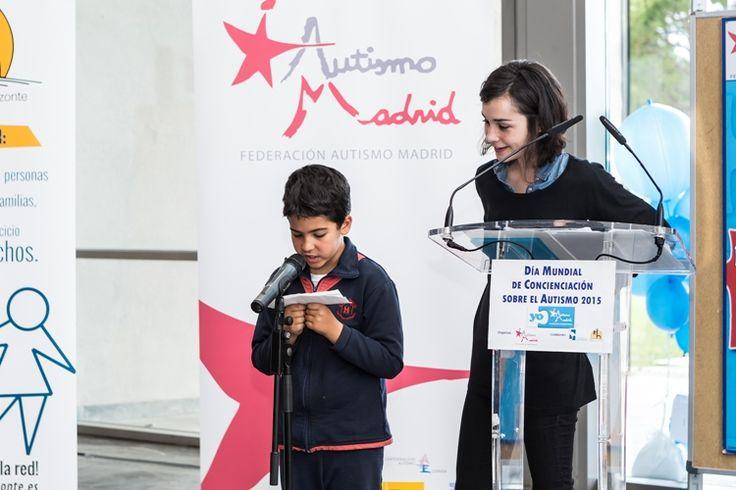 Os dejo un texto de la Federación Autismo Madrid en el que son las personas con autismo las que se expresan en primera persona, son ellas las protagonistas, por lo que debemos escuchar su voz para que nos cuenten en primera persona sus necesidades, deseos y experiencias: Las personas con autismo somos como tú y ...