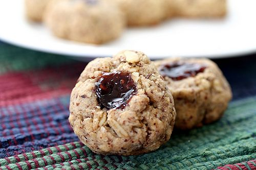 want to make these: Thumbprint Cookies, Christmas Cookies, Vegans Maple, Hey Cookies, Cookies Recipe, Maple Jam, Hours Thumbprint, Prints Cookies, Jam Cookies