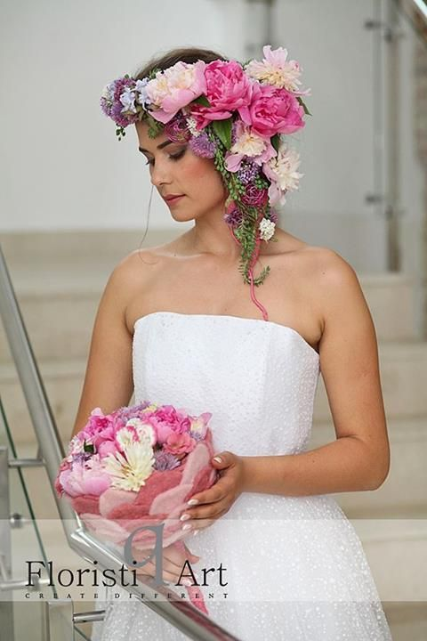 Bloom Your Business - bridal bouquets & floral accessories Photo by: Lehel Makara Photographer Hairstyle by: Raluca Horvat Make-up: Gabriela Popescu Dress by: Lupas Oana  Accessories by: Stijn Simaeys  Model: Lorena Somesan