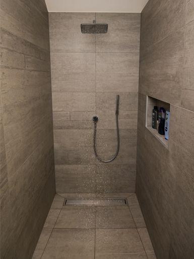 82 best images about inloopdouche on pinterest - Betegelde badkamer ontwerp ...