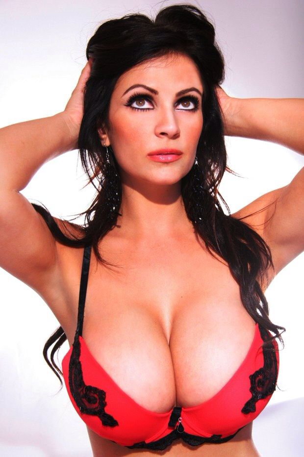 Denise Milani Bikini Bilder