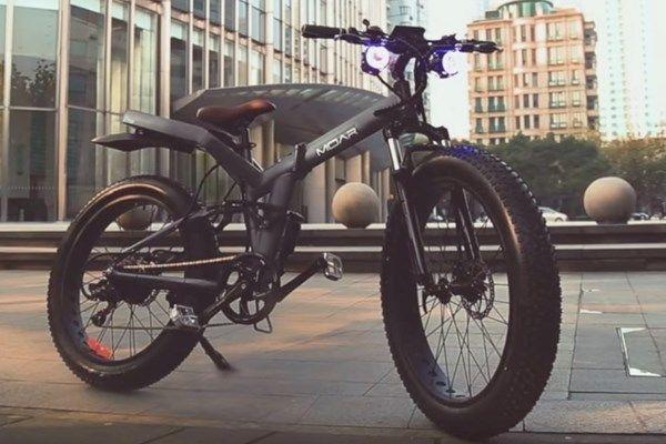 Bicicleta elétrica dobrável com pneus largos é sucesso em crowdfunding