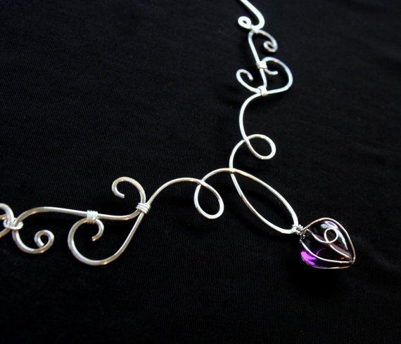 Elven collana Grace - vortici d'argento e cuore di vetro viola ametista - filo avvolto elegante filigrana