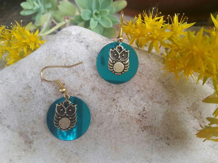 boucles d'oreilles rondes tendance bleue chouette : Boucles d'oreille par les-bijoux-de-juliemej