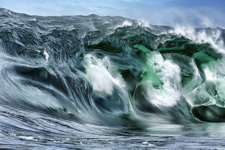 Stu Gibson Chasing Shipstern Bluff | Goal Zero #StuGibson #Surfing #art