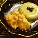 海外でも:レンジで信玄餅っぽい和のおやつ。わらび餅部分は材料3つ、耐熱容器1つ+レンジで簡単に作れます。きな粉でコーティングして仕上げます。