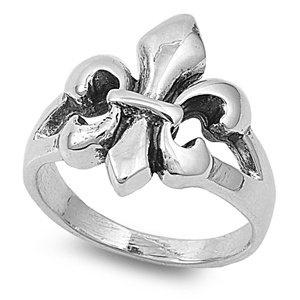Fleur De Lis Ring :)