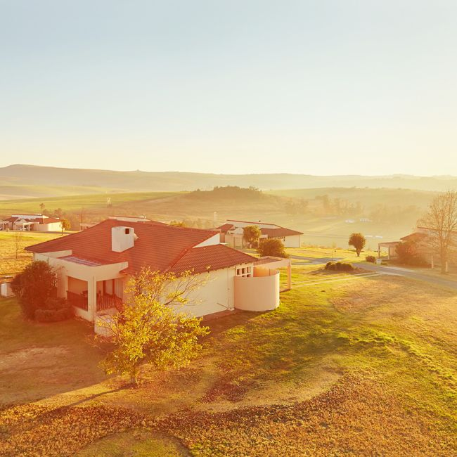 The Midlands Saddle and Trout resort is a divine getaway for those looking to escape the busy city life for a country retreat offering plenty of fresh crisp air and gorgeous surroundings. #midlandssaddleandtrout #theview #gorgeous #sun #mountains #clouds #instasky #beautifulweather #freshair #firstresorts #resortoftheweek #travel #vacation #retreat #getaway #relax #tranquil #travelgram #mooiriver