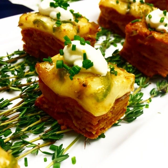 Mini chilaquiles canape national arts club 2014 don for Smoked oyster canape