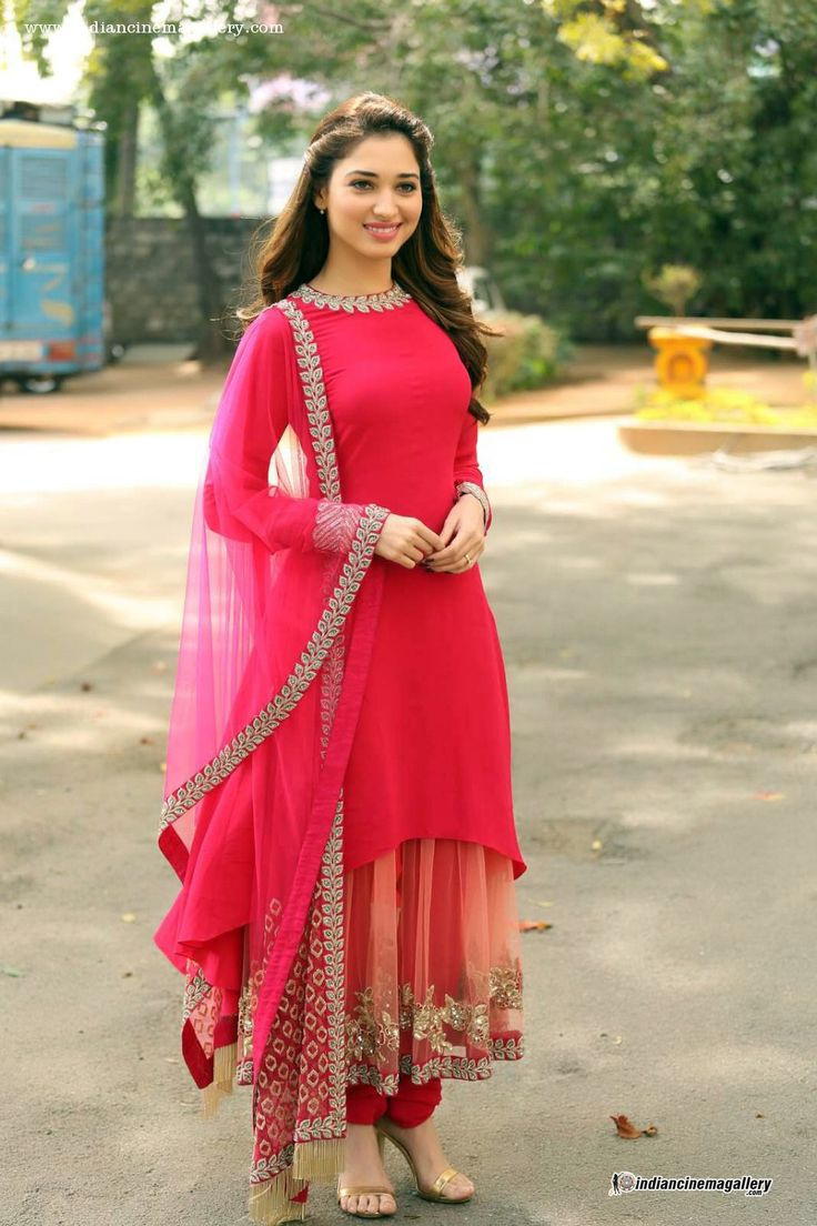 tamanna-bhatia-in-red-salwar-stills-(5)