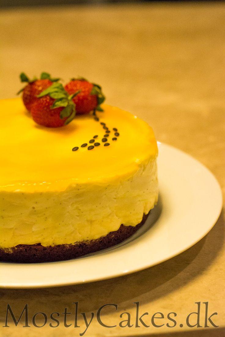 Passion Fruit Layer Cake with White Chocolate and Mascarpone Mousse. Passionsfrugtlagkage med hvid chokolade- og mascarponemousse.