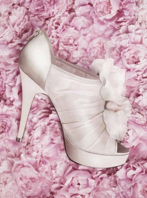 To Find Great #Wedding #shoes and Ideas  Visit us at brides book for all your wedding needs, ideas and trends get the newsletter for all the latest news, trends and promos from all our vendors.