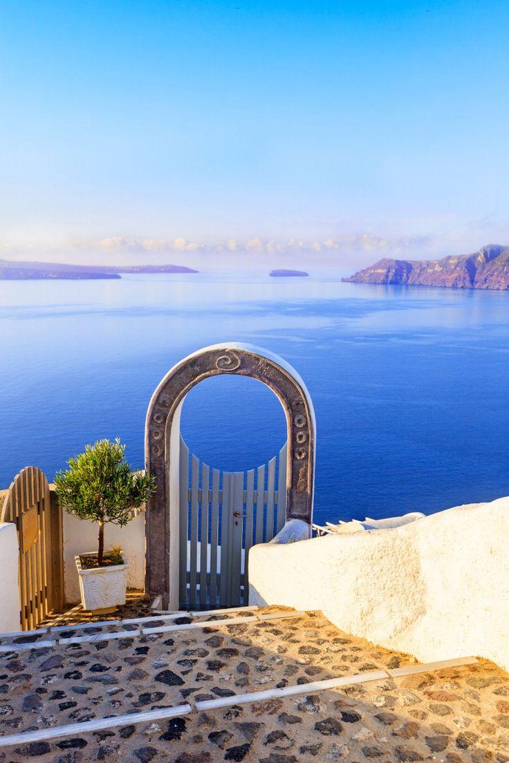 Oia, Santorini - Gate to the Aegean