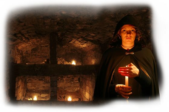 Mercat Ghost & Ghouls tour in Edinburgh Scotland gave us great peek at underground vaults, with some good stories and a glass of red!