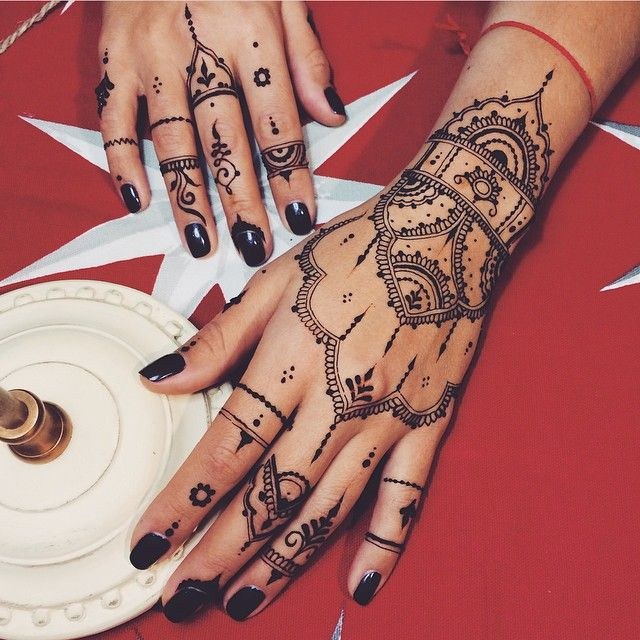 Traditional #mehndi
