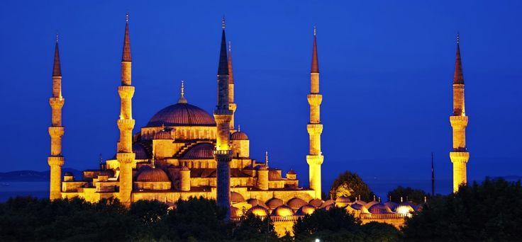 Blue Mosque - Sultanahmet #sultanahmet #blue #mosque #bluemosque #camii #istanbul #Istanbul #surahotels