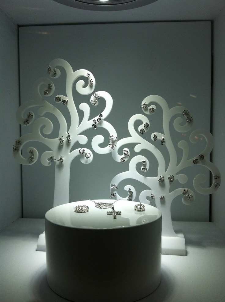 17 best images about jewellery window displays on for Jewelry store window displays