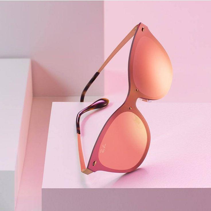 Hacer una declaración de #Amor con las gafas de sol #RayBan ojo de gato este verano, es apuesta segura!